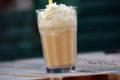 Mrożona kawa z karmelem - Frappucino